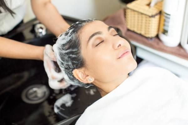 راه حل گیاهی و خانگی ترمیم موهای آسیب دیده